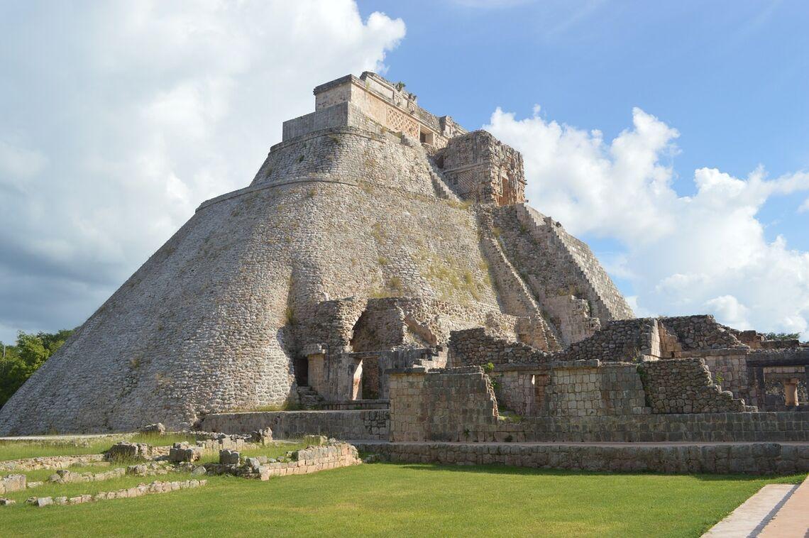 pyramid 568003 1280